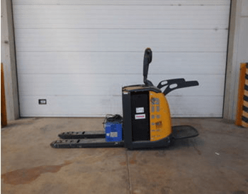 рециклирана електрическа количка